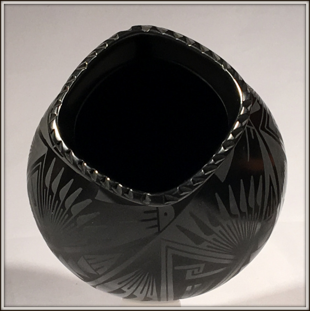 BLACK ON BLACK FINE MATA ORTIZ POTTERY BY OSCAR JR QUEZADA